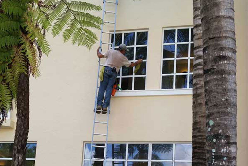 Residential Windows Cleaning - Sanchez Windows Cleaning Miami
