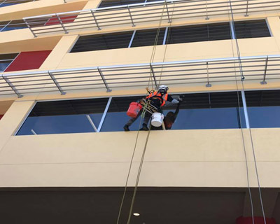 Commercial Windows Services - Sanches Windows Cleaning