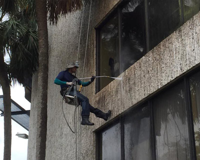 High Rise Pressure Cleaning - Sanchez Windows Cleaning
