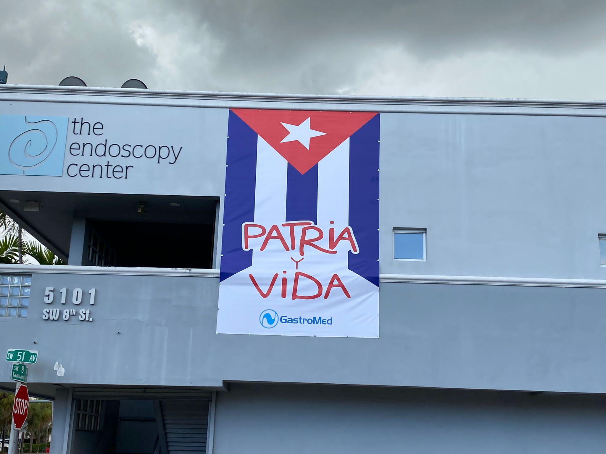 Miami Sign Installation